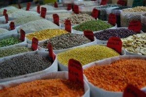assorted color beans in sack 1393382 300x199 - Gestão de Resíduos: Dicas para ser mais sustentável além da quarentena!